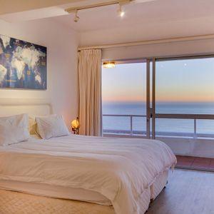 Second bedroom; Águila Views - Camps Bay