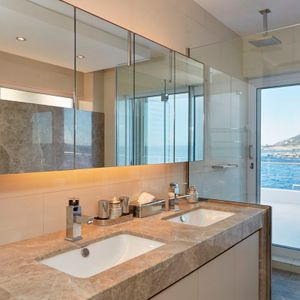 En-suite to fourth bedroom; BETA UPPER - Camps Bay