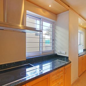 Kitchen & stove; CLIFTON BELLE - Clifton