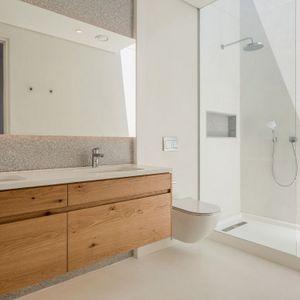 En-suite to third room; VILLA VIEWS - Camps Bay