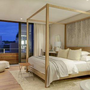Master bedroom; AFRIQUE - De Waterkant