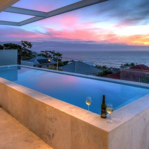 Pool & View; DA VINCI - Camps Bay