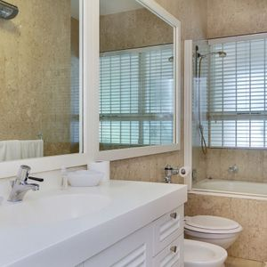 En-suite to master; SAND & SEA - Clifton