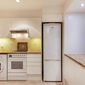 Kitchen; Águila Views - Camps Bay