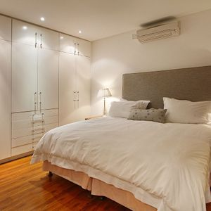 Cottage Master bedroom; SILVER LINING - Camps Bay