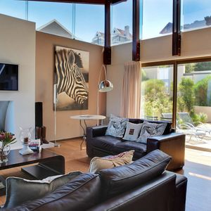 Living space; OUDERKRAAL PLACE - Camps Bay