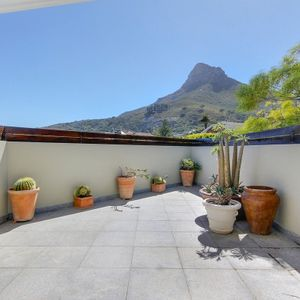 Courtyard to Master bedroom; Shanklin Road - Camps Bay