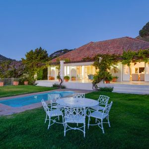 Pool & seating; OVERGLEN - Camps Bay