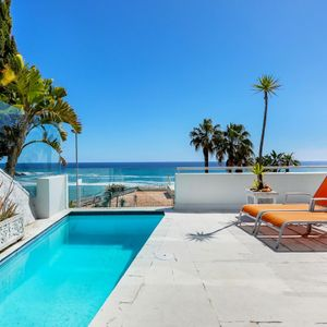 Plunge pool; CLIFTON VIEWS - Clifton