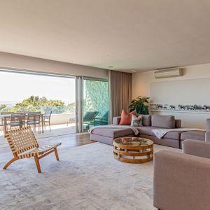 Lounge; 100 Geneva - Camps Bay