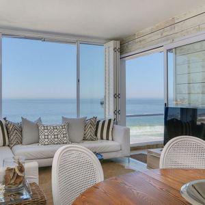 TV & Living area; SAND & SEA - Clifton