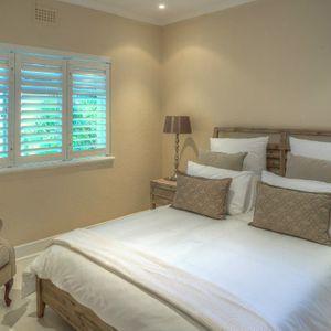 Master bedroom; PRIDE VILLA - Bakoven