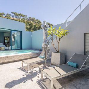 Pool deck; LOADER VILLA - De Waterkant