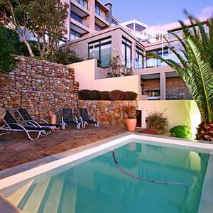 Pool & sun loungers; CAMPS BAY TERRACE -  Camps Bay
