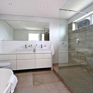 Shared Bathroom; Hougthon Penthouse - Bakoven