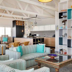 Living & Kitchen area: BONDI BLU - Mouille Point