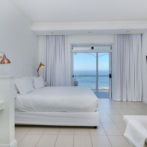 Master bedroom; NELSON'S HOME - Camps Bay