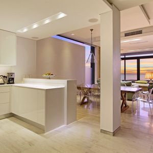 Kitchen, living & dining area; LA COSTA MAYA - Camps Bay