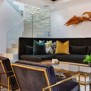 Living room; MOUNTAIN VIEW VILLA - Camps Bay