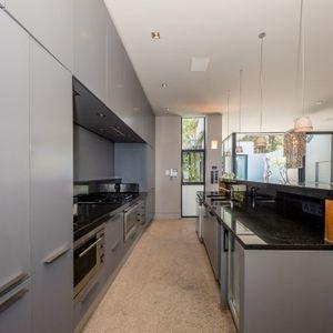Kitchen; LOADER VILLA - De Waterkant
