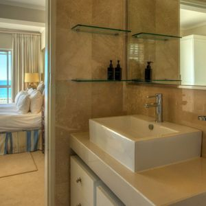 En-suite to master; ROODEBERG VIEWS - Camps Bay