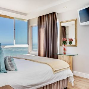 Master bedroom & Sea views; B3 VALHALLA - Clifton