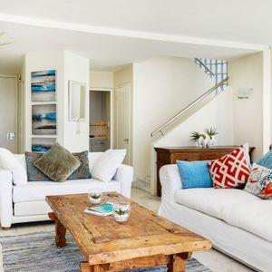 Lounge; CLIFTON VIEWS - Clifton