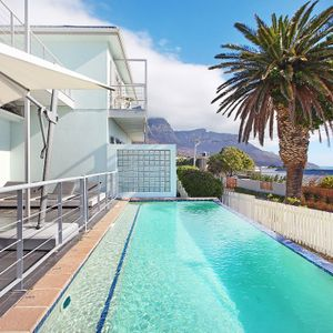 Pool & Views; BLUE SHORE VILLA - Camps Bay