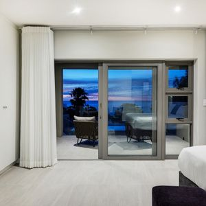 ; APOSTLES LUXURY - Camps Bay
