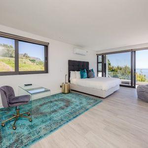 Master bedroom; VILLA VIEWS - Camps Bay