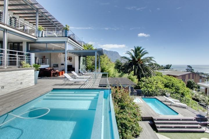 Sea And Rock Villa